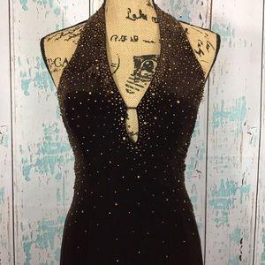Niki Rivas brown velvet formal dress